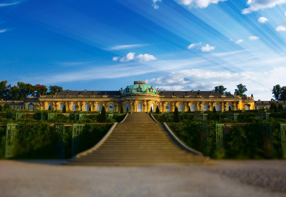 closed-sanssouci-970764_1280